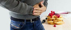 personne qui a mal au ventre