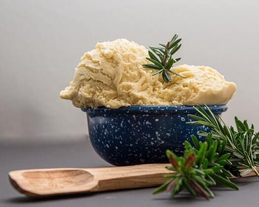 La purée de pommes de terre est un repas adéquat après une opération des dents de sagesse